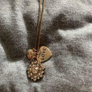 Jewelry - Love pendant necklace